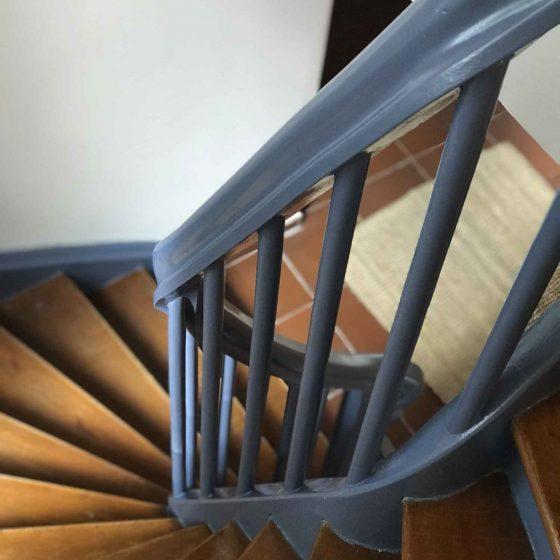 Die alte Holztreppe im Ferienhaus wurde aufwändig saniert.